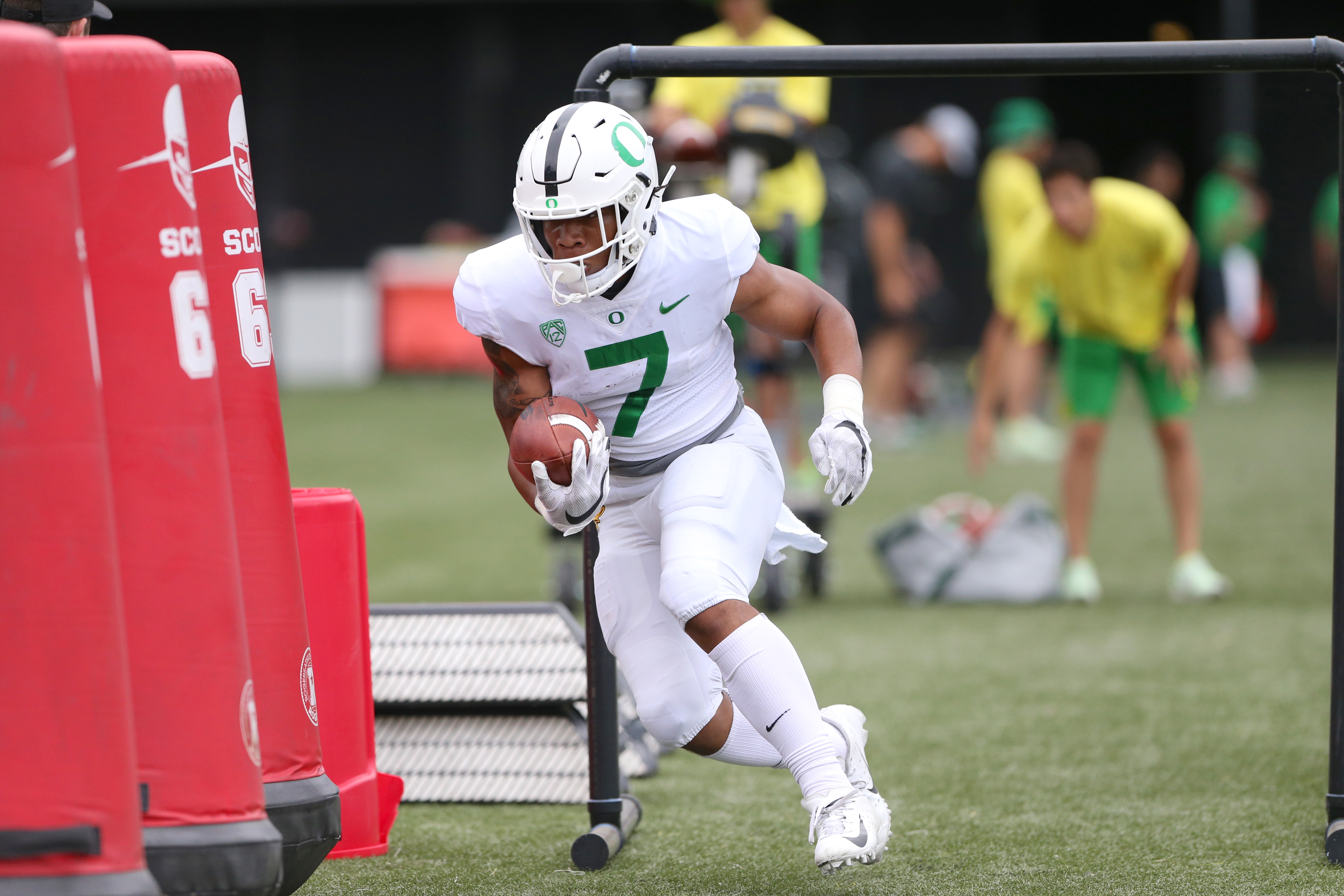 size 40 ec472 d2ba6 Oregon running back CJ Verdell may not get much attention ...