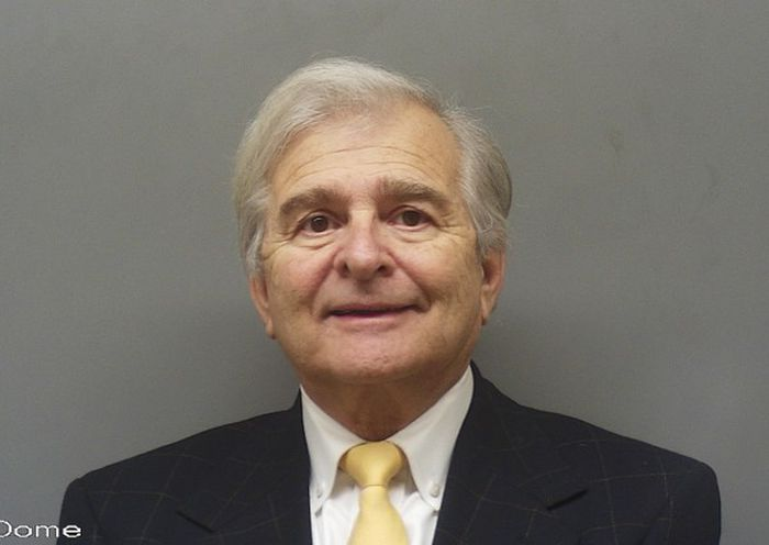 Alabama attorney pleads guilty, agrees to jail term