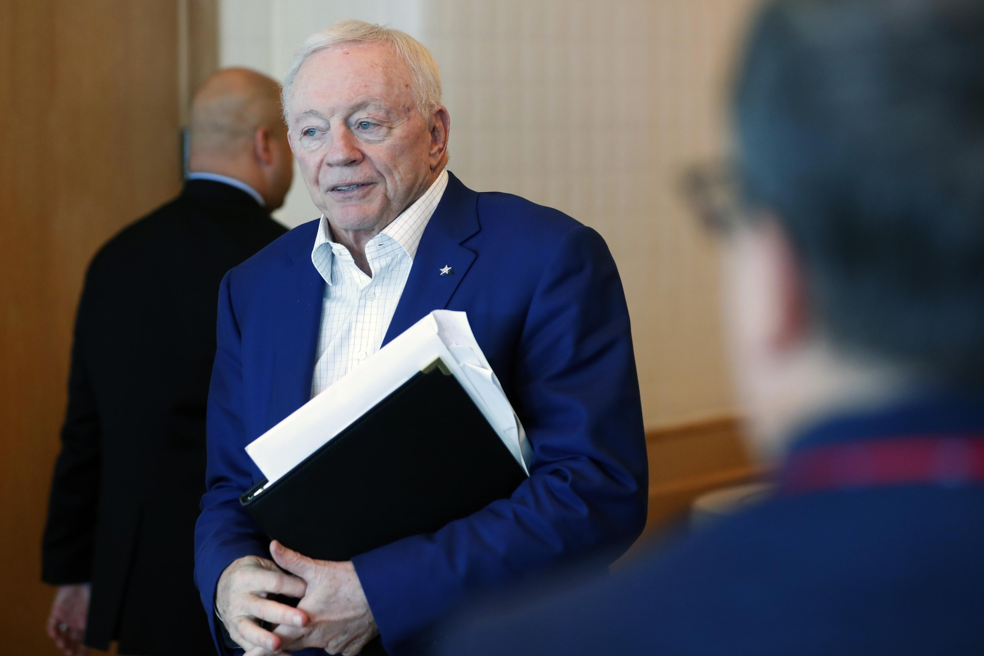 NFL rumors: 'Concerned' Cowboys owner Jerry Jones sounds afraid of the Eagles