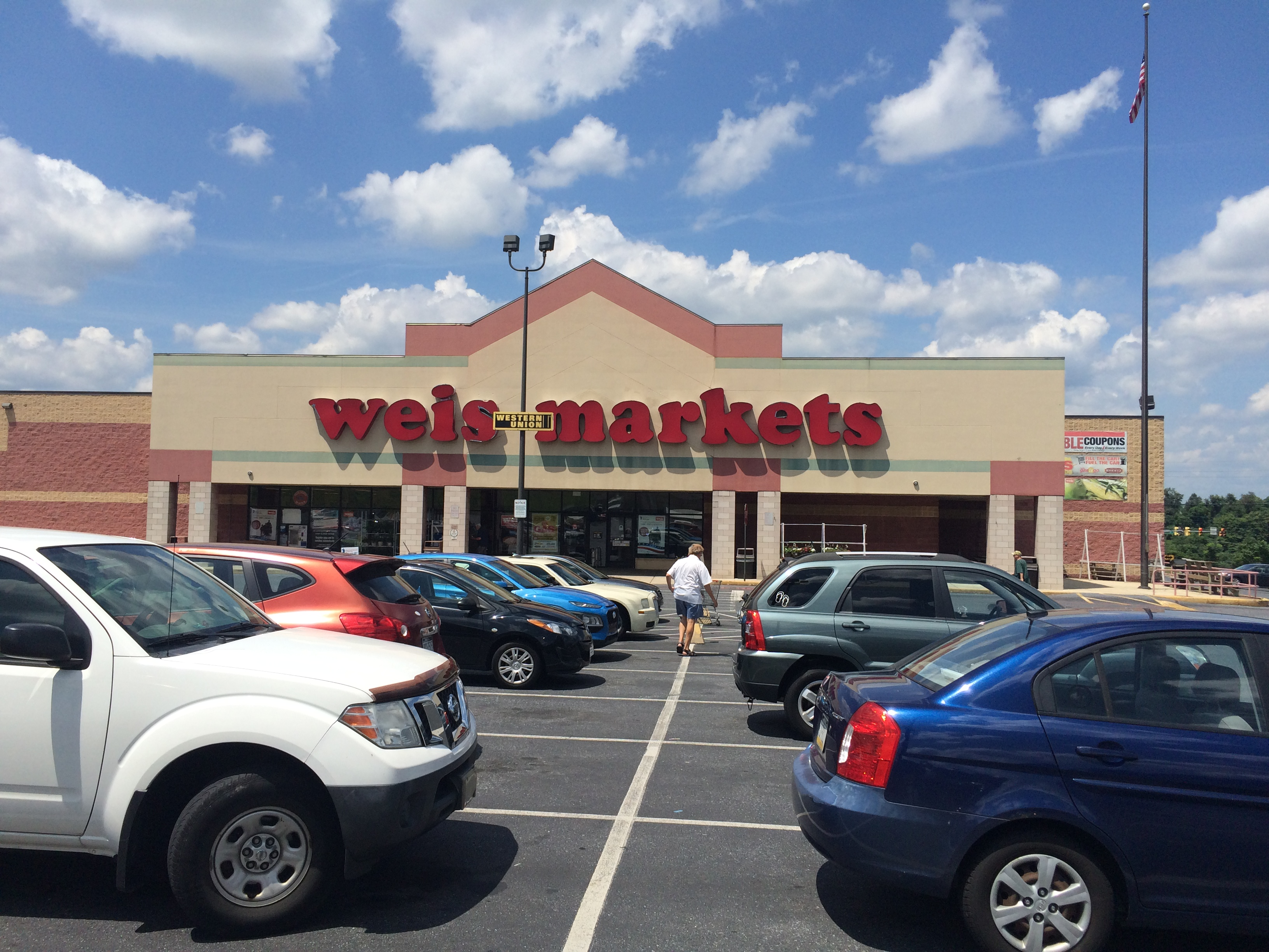 Weis Markets store in Dauphin County closes earlier than expected