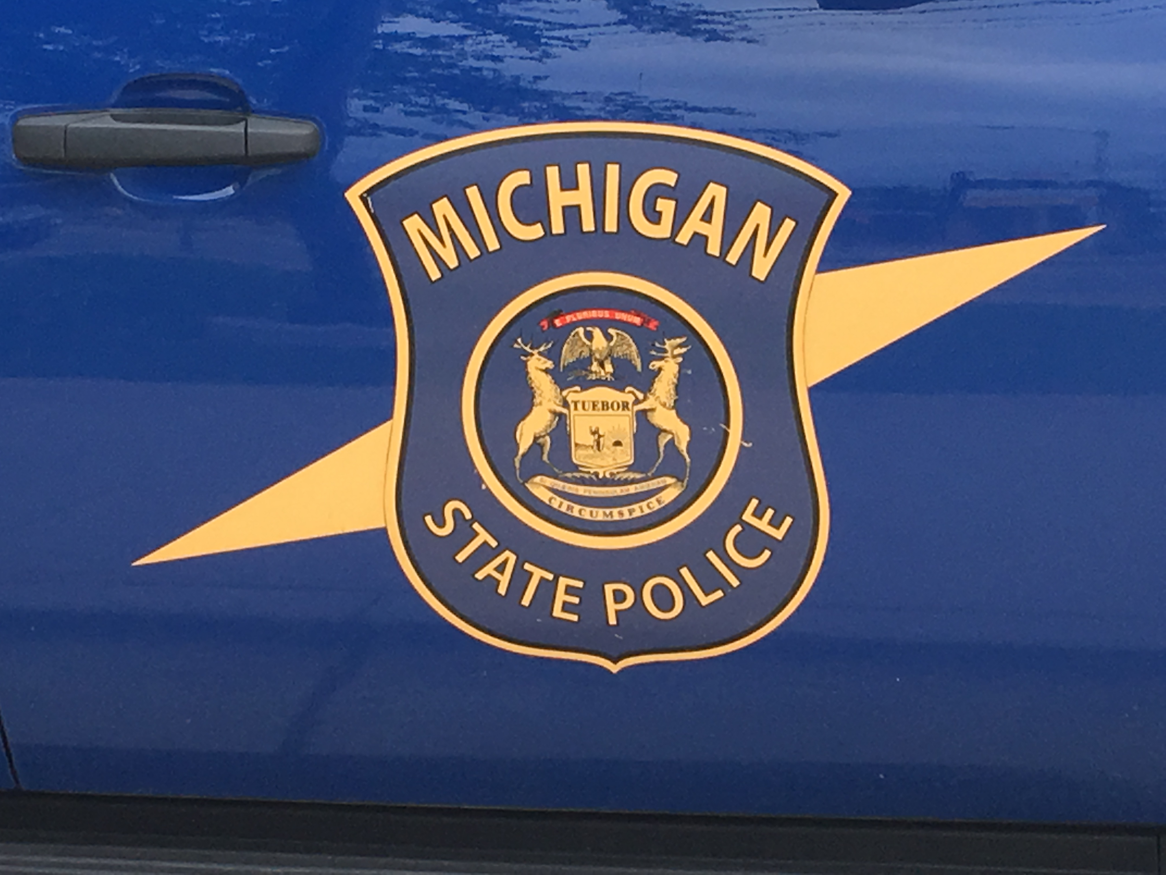Teen airlifted to hospital after 3-vehicle crash in Hillsdale County