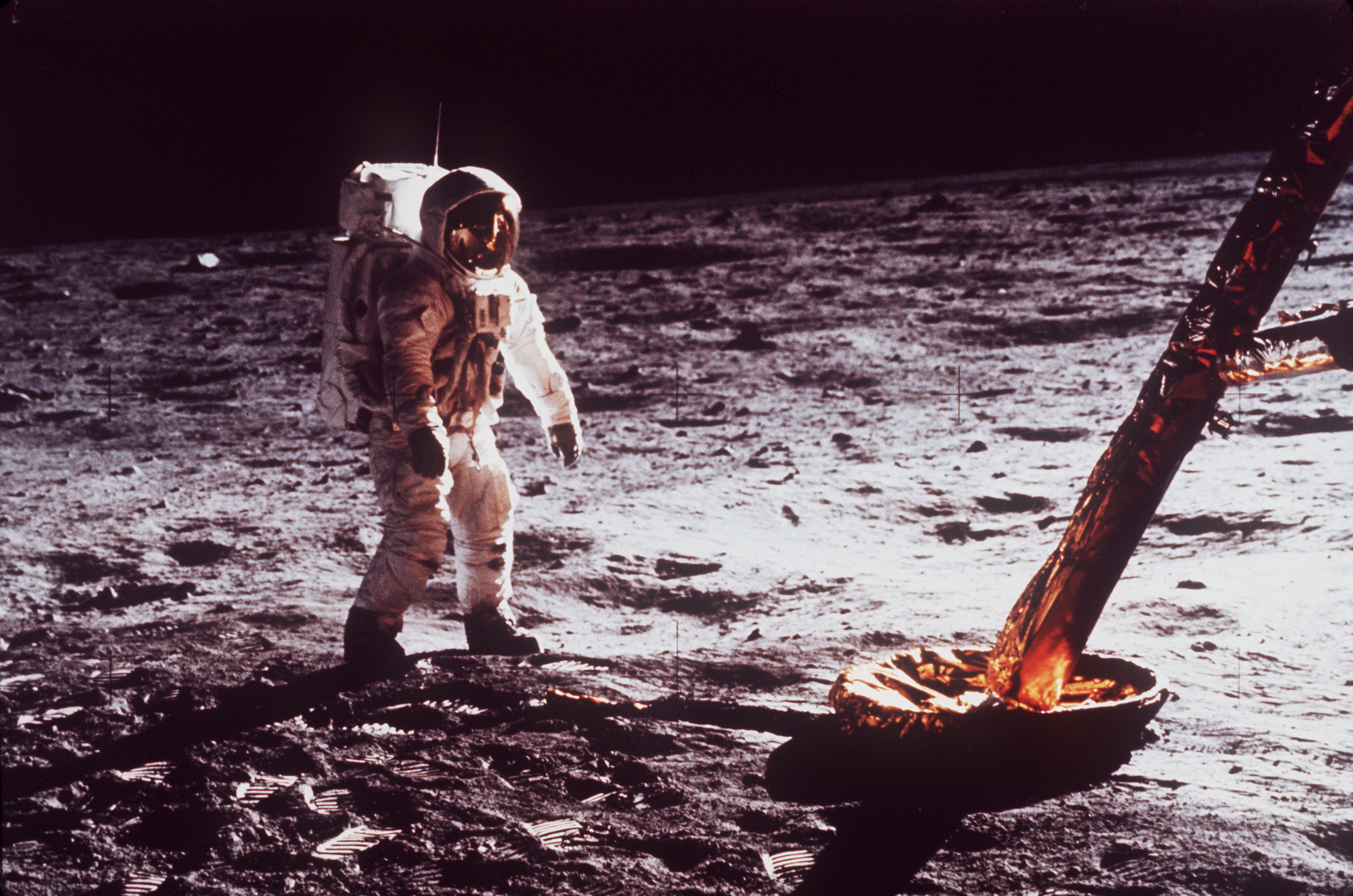nasa engineers and the age of apollo - HD 2874×1904