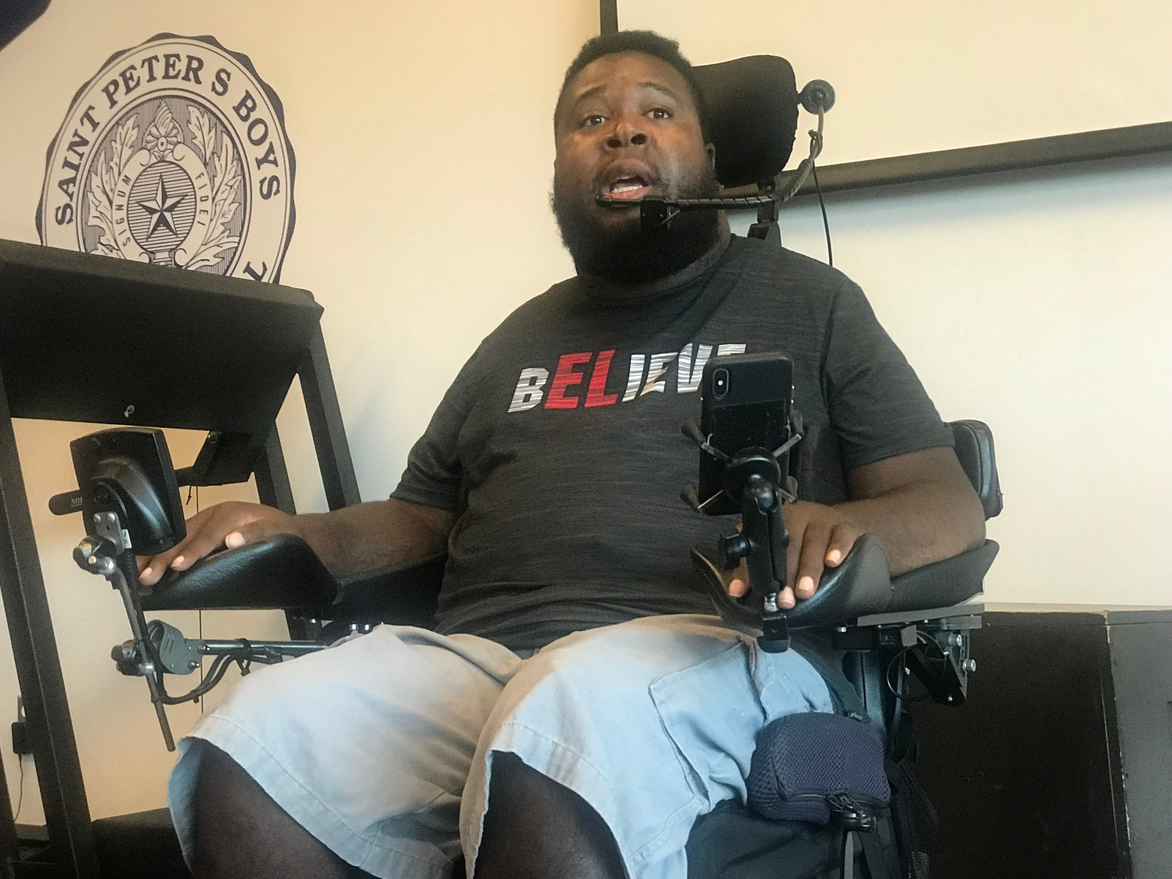 HS football: Prominent spinal cord spokesman Eric LeGrand pays a visit to St. Peter's camp