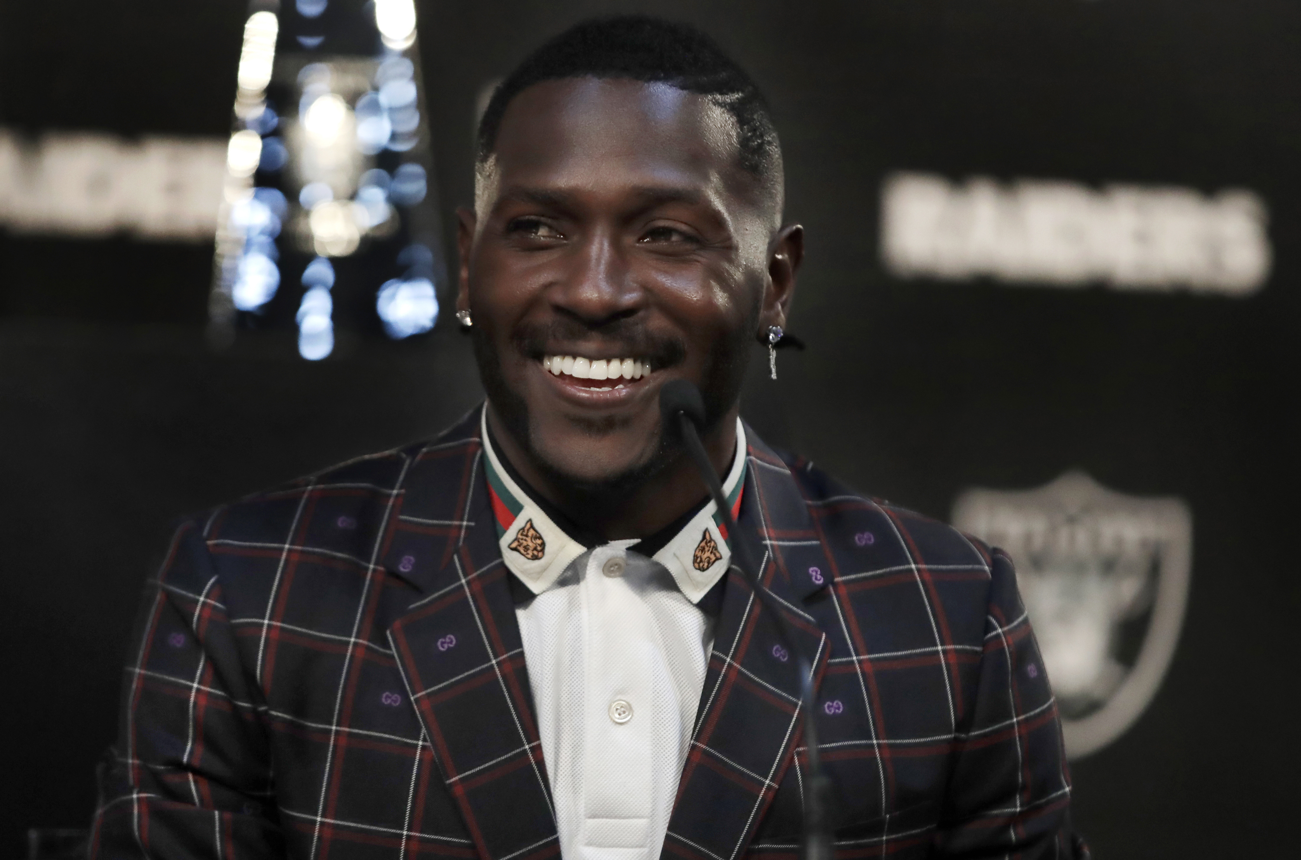 NFL rumors: Raiders are fed up with Antonio Brown, amid helmet drama, but they should've known this nonsense was coming (VIDEO)