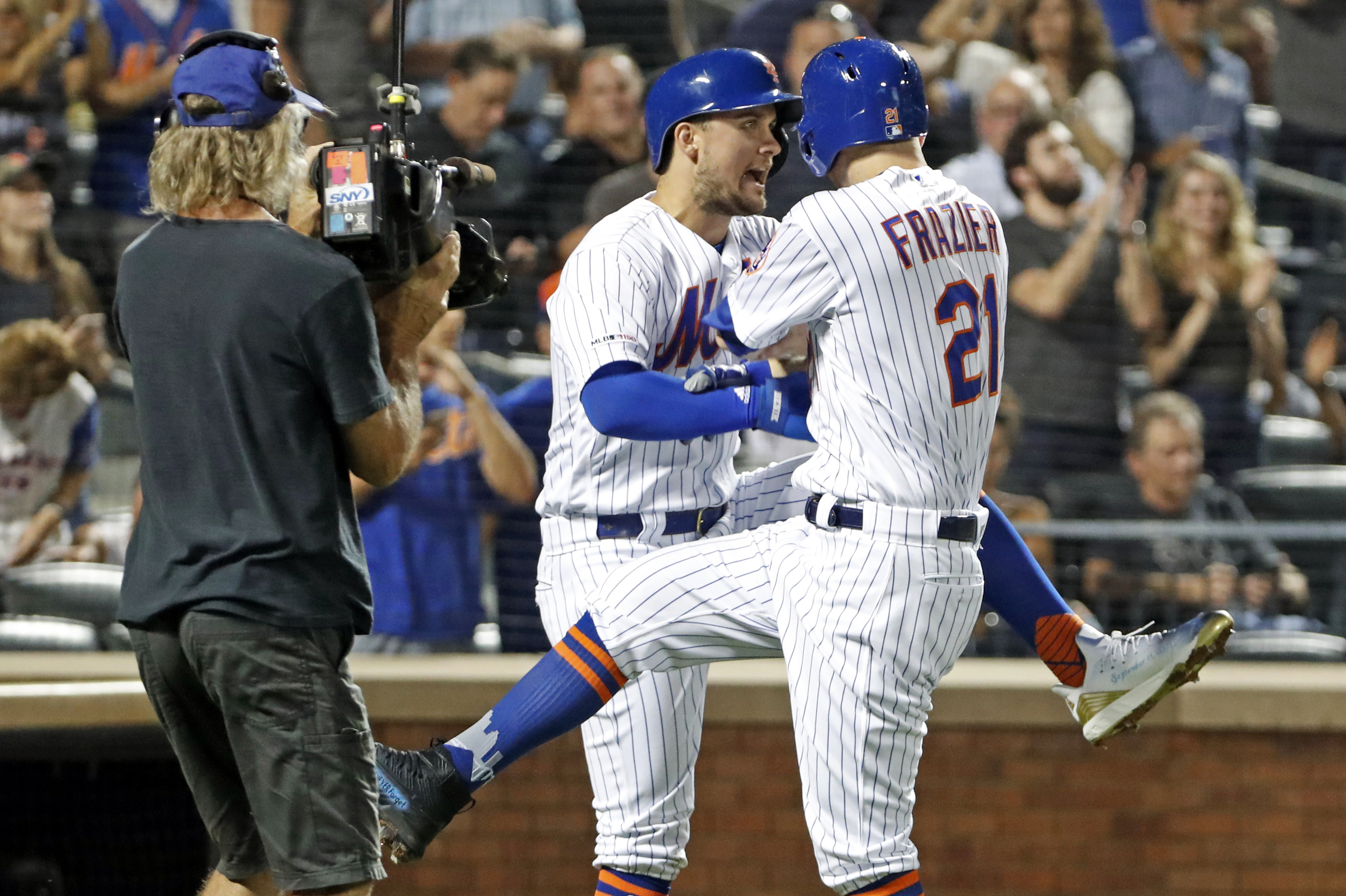 New York Mets score 9 runs on 11 hits in win on 9/11 anniversary
