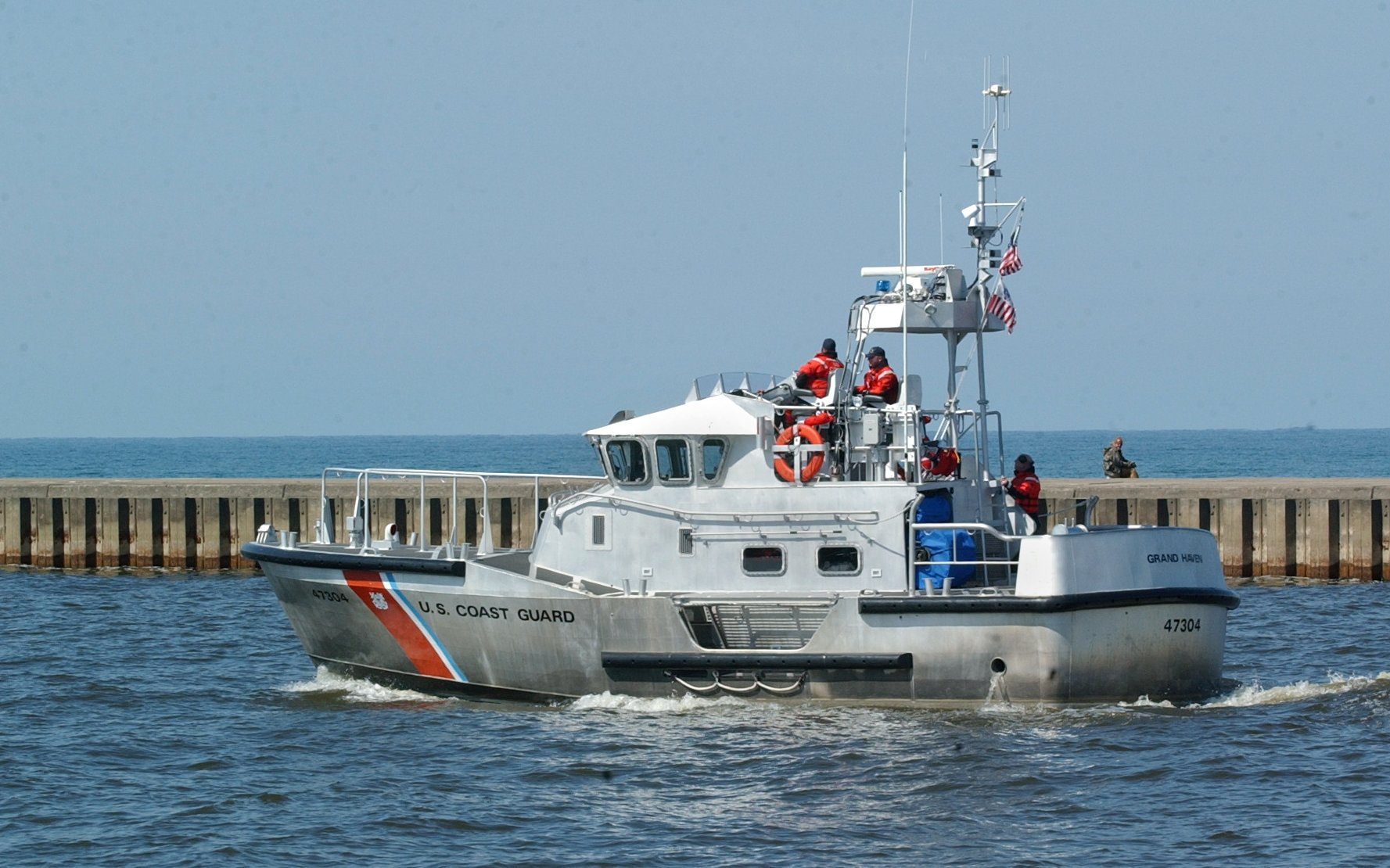 Free Coast Guard app tracks boating conditions on Great Lakes