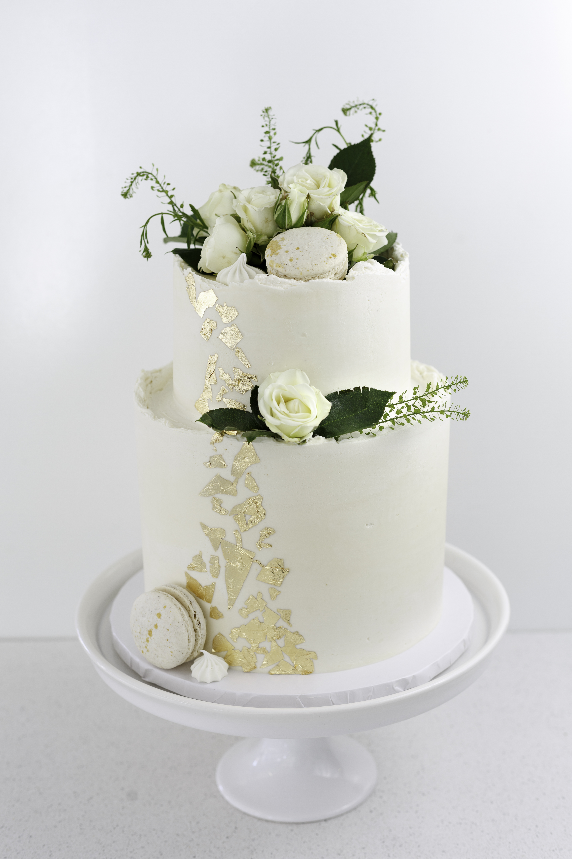 Wedding Cake Tips When Buying Wedding Desserts Throw Tradition