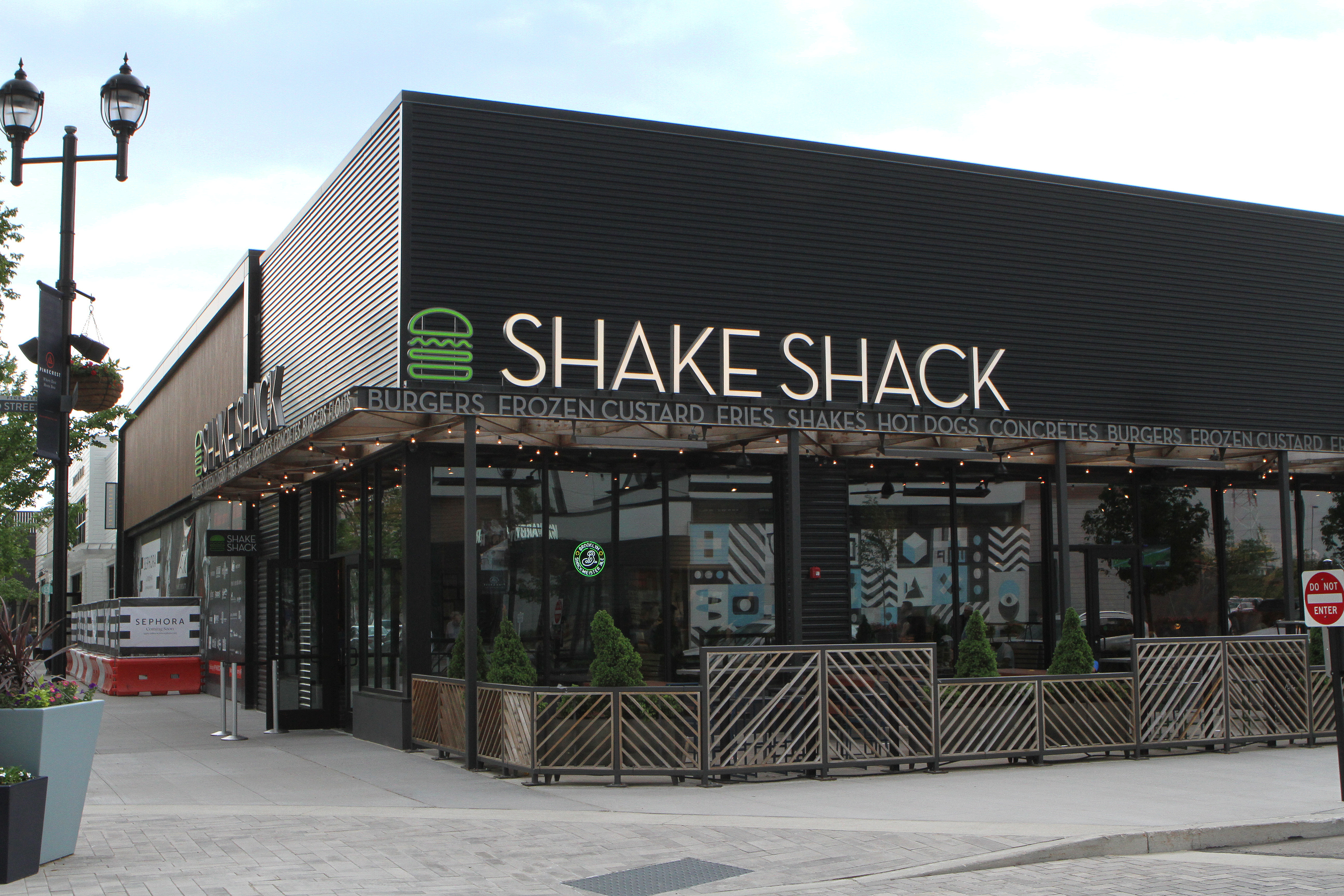 Shake Shack opens its first Morris County restaurant