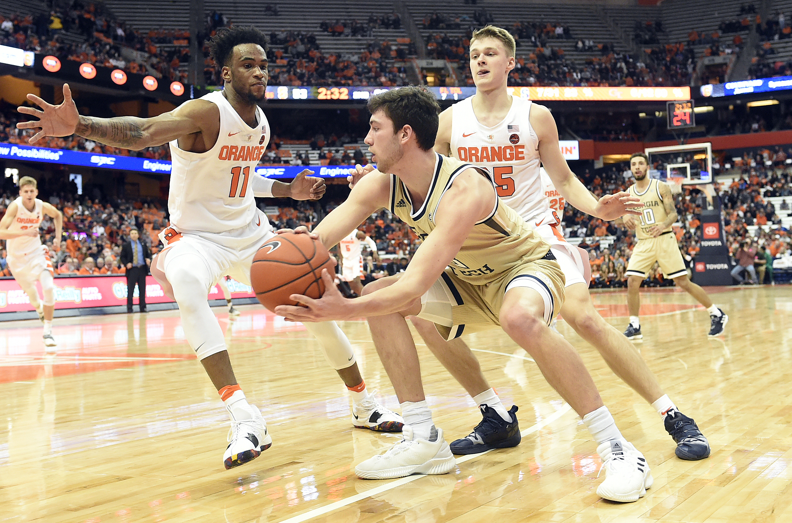 How will Syracuse's zone fare with the NCAA's new 3-point line?