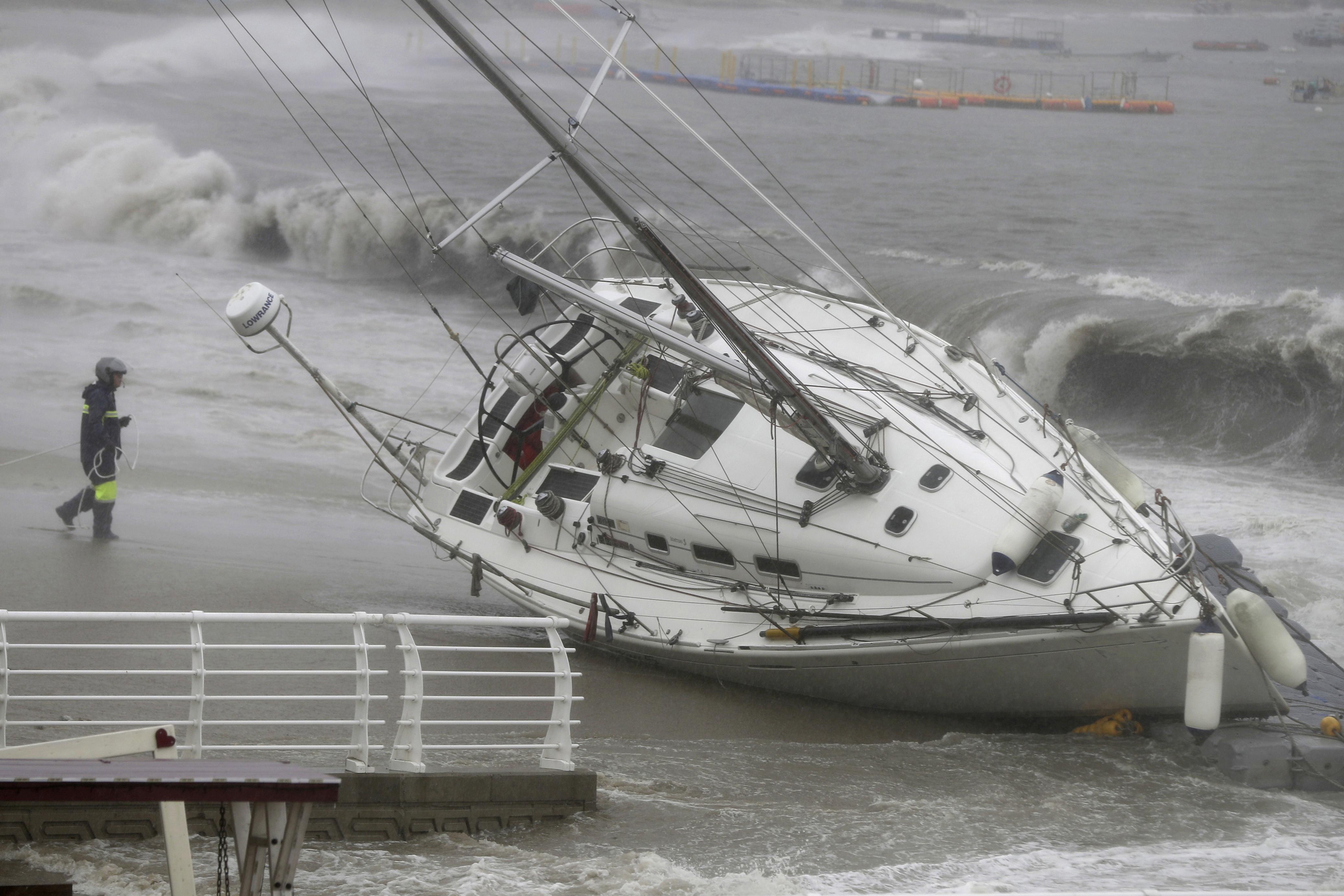 Powerful typhoon causes injuries, damage in South Korea