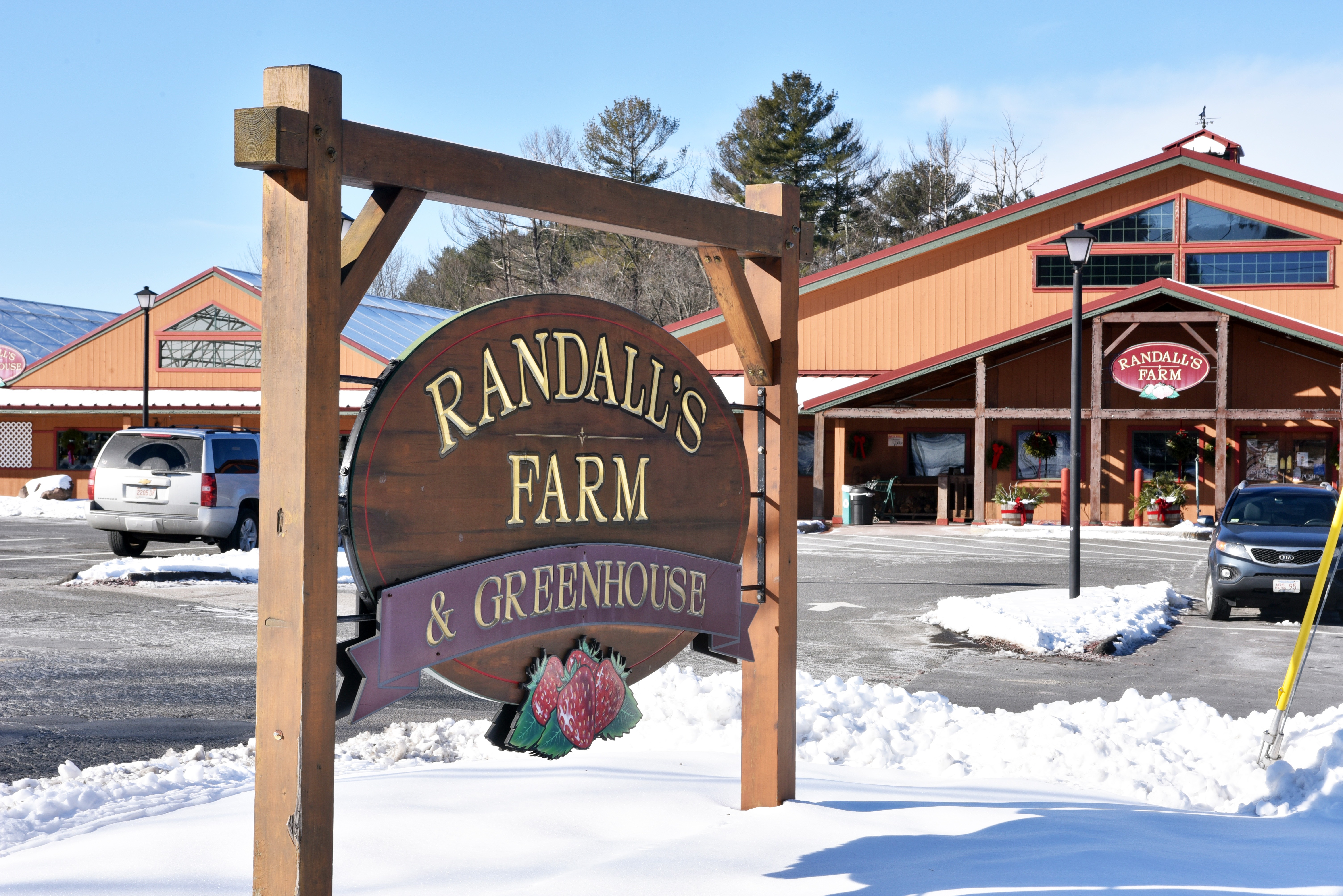 Randall S Farm Greenhouse In Ludlow Grows With Community Masslive Com