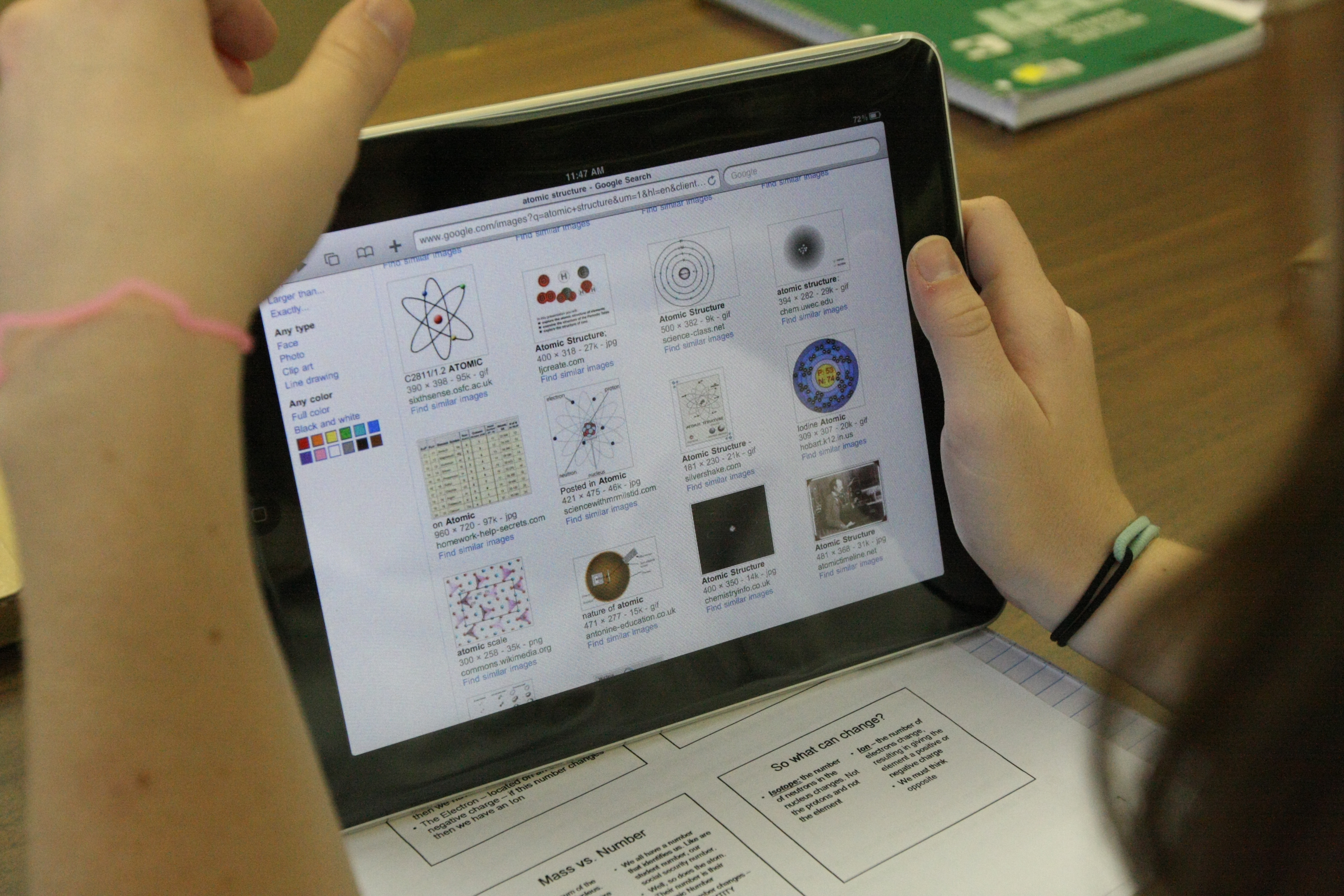 Students who read on tablets have lower test scores, study shows